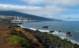 Vista della linea costiera di Puerto de la Cruz fotografie stock