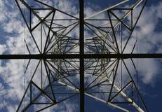 Vista della linea elettrica immagine stock