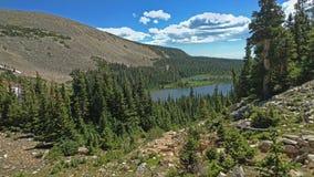 Vista della montagna e del lago Fotografia Stock Libera da Diritti