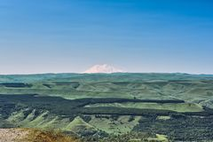 Vista della montagna Elbrus immagine stock libera da diritti