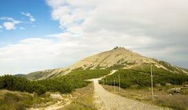 Vista della montagna Sniezka, traccia di escursione Fotografia Stock Libera da Diritti