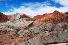 Vista della natura della montagna e del cielo blu Immagine Stock