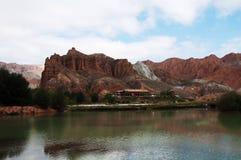 Vista della natura della montagna e del cielo blu Immagine Stock Libera da Diritti