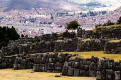 Vista della parete di Sacsayhuaman, in Cuzco, il Perù. Fotografie Stock Libere da Diritti
