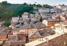 Vista della parte settentrionale di Urbino L'Italia Fotografia Stock
