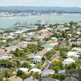 Vista della periferia di Devonport a Auckland Immagini Stock