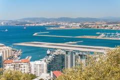 Vista della pista dell'aeroporto in Gibilterra Fotografie Stock