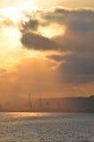 Vista della porta di Barcellona al tramonto. Fotografia Stock