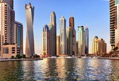 Vista della regione di Dubai - porticciolo del Dubai fotografie stock libere da diritti