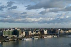 Vista della riva del fiume di Budapest, Ungheria Fotografia Stock