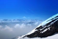 Vista della roccia svizzera dell'alta montagna Fotografia Stock