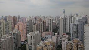 Vista della scena urbana a Shanghai, Shanghai, Cina stock footage