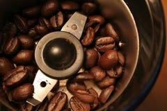 Vista della smerigliatrice di caffè dell'occhio degli uccelli Fotografia Stock Libera da Diritti