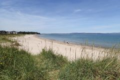 Vista della spiaggia centrale di Nairn un giorno di estati caldo Fotografia Stock