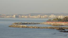 Vista della spiaggia della città di Malaga stock footage