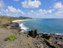 Vista della spiaggia del ` u di Makapu dall'allerta del ` u di Makapu, Hawai Immagini Stock