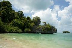 Vista della spiaggia della spiaggia tailandese Immagine Stock