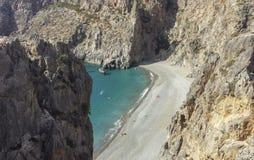 Vista della spiaggia di agiofarago da sopra in Creta del sud fotografia stock libera da diritti