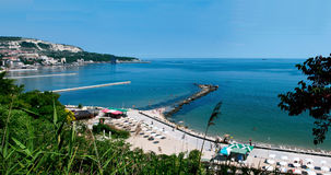 Vista della spiaggia di Balchik in Bulgaria dal palazzo del QueenMaria rumeno. Immagini Stock Libere da Diritti