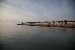 Vista della spiaggia di Hastings fotografie stock