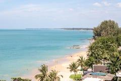 Vista della spiaggia di Khao Lak, Phang Nga, a sud della Tailandia Fotografia Stock Libera da Diritti