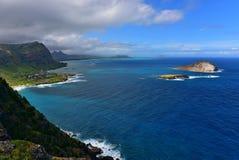 Vista della spiaggia di Makapuu, dell'isola del coniglio e dell'isola di Kaohikaipu Fotografie Stock