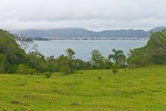 Vista della spiaggia su Bombinhas Immagine Stock Libera da Diritti