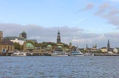 Vista della st Pauli Piers, una del attr del turista di maggiore del ` s di Amburgo immagine stock