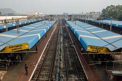 Vista della stazione ferroviaria in Vijayawada, India fotografie stock libere da diritti
