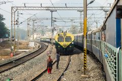 Vista della stazione ferroviaria in Vijayawada, India immagine stock