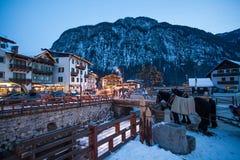 Vista della stazione sciistica in alpi Immagine Stock Libera da Diritti