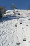 Vista della stazione sciistica delle alpi fotografia stock
