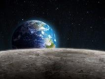 Vista della terra aumentante veduta dalla luna Fotografie Stock