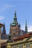 Vista della torre della st Vitus Cathedral, Praga Immagine Stock Libera da Diritti