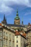 Vista della torre della st Vitus Cathedral, Praga Fotografia Stock Libera da Diritti