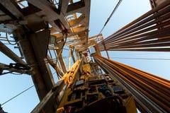 Vista della torre di olio dal piano sonda Fotografia Stock