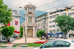 Vista della torre di orologio storica a Bursa, Turchia fotografia stock