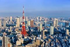 Vista della torre di Tokyo dalla collina Tokyo, Giappone di Roppongi Fotografie Stock