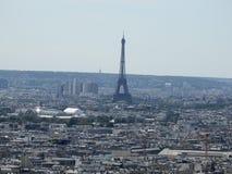 Vista della torre Eiffel a Parigi Francia da Montmartre Fotografie Stock