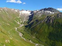Vista della traccia turistica vicino al Cervino nelle alpi svizzere Fotografia Stock Libera da Diritti