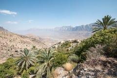 Vista della valle dal villaggio di Misfat Al Aberdeen nell'Oman Immagini Stock Libere da Diritti