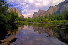 Vista della valle del Yosemite Immagine Stock