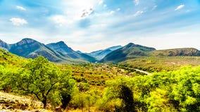 Vista della valle dell'elefante con il villaggio di Twenyane lungo il fiume di Olifant Fotografie Stock Libere da Diritti