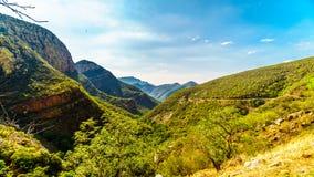 Vista della valle dell'elefante da Abel Erasmus Pass con J Tunnel di G Strijdom nel distante Fotografia Stock Libera da Diritti