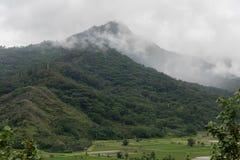 Vista della valle di Hanalei su Kauai, Hawai, nell'inverno dopo una tempesta di pioggia importante Fotografia Stock