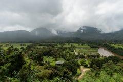 Vista della valle di Hanalei su Kauai, Hawai, nell'inverno dopo una tempesta di pioggia importante Fotografie Stock Libere da Diritti