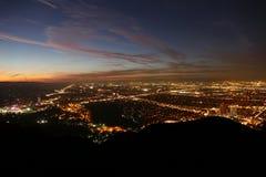 Vista della valle di notte di Los Angeles immagini stock libere da diritti