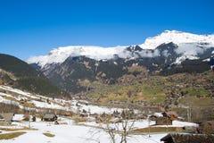 Vista della valle e delle montagne in Svizzera Fotografie Stock