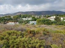 Vista della valle Mediterranea e del villaggio immagine stock libera da diritti