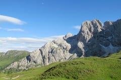 Vista della valle verde delle alpi della dolomia bella Immagine Stock Libera da Diritti